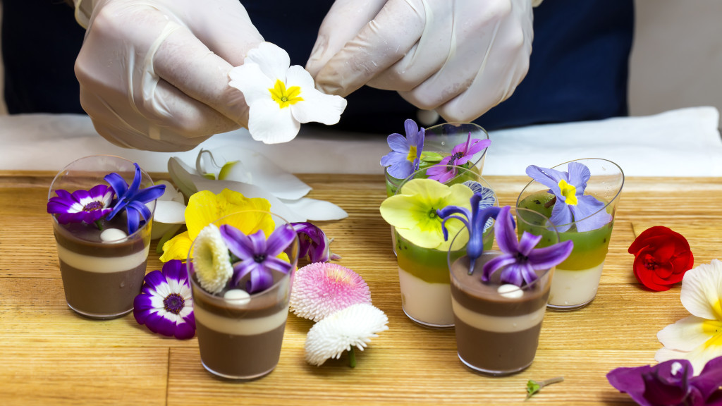 dessert_edible flowers